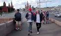 YouTube: mira lo que pasa cuando 2 hombres caminan de la mano en Rusia