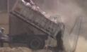 SJL: Al menos diez camiones fueron captados arrojando basura y desmonte al río Rímac