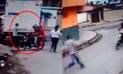 YouTube: Hombre lanza patada voladora a delincuente cuando escapaba en su moto [VIDEO]