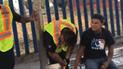 Facebook: mano de joven queda atrapada en parada de autobús y él revela cómo sucedió