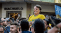 Ultraderechista Bolsonaro recibe una puñalada en pleno acto electoral