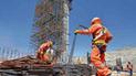 Obreros paralizan construcción del puente Arequipa - La Joya