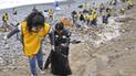 Pescadores limpiarán la basura flotante del mar de las playas del Perú