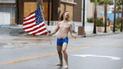 YouTube: hombre semidesnudo retó al huracán Florence con bandera de EE.UU. [VIDEO]