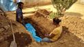 Venezuela: ante falta de dinero enterraron a su familiar en el patio [VIDEO]