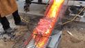 YouTube Viral: Tienes que ver el genial resultado de estos ingenieros preparando una parrillada en lava [VIDEO]