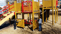 YouTube: Niños jugaban tranquilos en un parque hasta que ocurrió extraño fenómeno