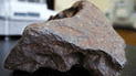 Una piedra valía 100 mil dólares y la usó para trabar su puerta durante 30 años [VIDEO]