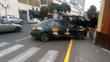 #YoDenuncio: conductores de vehículos ocupan vereda de universidad