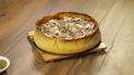 ¿Cómo preparar Pizza casera al estilo Chicago?
