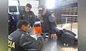 ¡Increíble!, policía intentó pasar teléfono celular al penal del Cusco