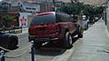 #YoDenuncio: camioneta invade vereda para estacionarse