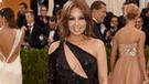Thalía se luce sin prendas íntimas en Instagram, pero exceso de Photoshop generó burlas