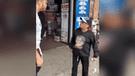 Facebook: anciana es atacada por hombre musculoso y usó insólita técnica para defenderse [VIDEO]