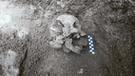 "Espeluznante: arqueólogos encuentran la tumba del ""niño vampiro"""