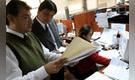 Ley de negociación colectiva salarial beneficiará a 300 mil servidores públicos