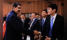 """Maduro promete aumentar envío de petróleo a China """"como sea"""""""