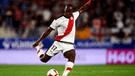 ESPN reveló los tres clubes de España que quieren a Luis Advíncula