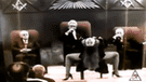 YouTube: ¿Raro joven graba un supuesto 'show iluminati'? El video te aterrará