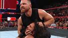 WWE RAW: Dean Ambrose traiciona a Seth Rollins tras ganar los campeonatos en pareja [VIDEO]