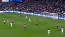 Real Madrid vs Viktoria Plzen EN VIVO: fuerte cabezazo de Benzema para el 1-0 [VIDEO]