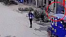 Pareja de delincuentes robó mototaxi estacionada en el frontis de una casa [VIDEO]