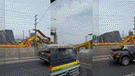 Panamericana Norte: Camión tumba puente y este cae encima de auto