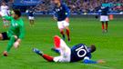 Mbappé sufrió escalofriante caída y salió lesionado del Francia vs Uruguay [VIDEO]