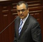Ministro habla de reforma laboral, pero calla sobre control de fusiones y adquisiciones