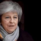Theresa May se libra de la moción de censura y seguirá al mando de Reino Unido