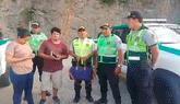 Policía devuelve pertenencias y documentación de extranjera [VIDEO]