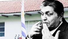 Alan García se deja ver dentro de la casa del embajador de Uruguay [FOTO]