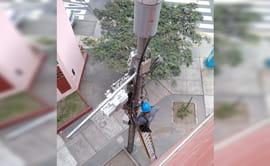 #YoDenuncio: poste de telefonía soporta más de siete cajas de control
