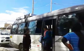 Cajamarca: chofer se desmaya cuando conducía combi en plena carretera [VIDEO]