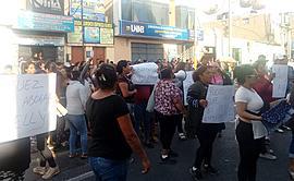 Barranca: indignados protestan fuera del Poder Judicial por niña asesinada y ultrajada  [FOTOS Y VIDEO]