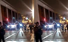 #YoDenuncio: vehículo invade zona peatonal en Centro de Lima [VIDEO]