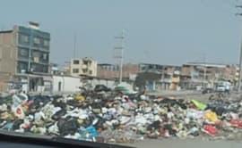 VMT: vecinos se quejan por acumulación de basura en avenidas [VIDEOS]