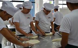 Ofrecen 930 becas integrales de capacitación para jóvenes