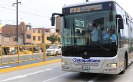 #YoDenuncio: pasajeros quedan atrapados en bus de Metropolitano