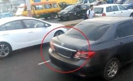 #YoDenuncio: auto transita sin placa de rodaje en Av. Faucett