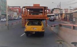 #YoDenuncio: vehículo transita con carga que excede su tamaño
