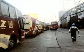 #YoDenuncio: piden operativos contra buses que estacionan en vía pública