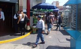 Breña: presencia de ambulantes en la Av. Venezuela genera desorden