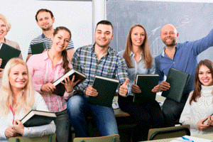 Conoce los beneficios de estudiar un posgrado
