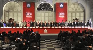Sillas vacías en debate por ausencia de candidatos