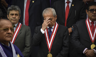 Pedro Chavarry rinde homenaje al Señor de Los Milagros [FOTOS]