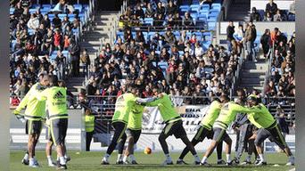 Zinedine Zidane y su primer entrenamiento con el Real Madrid  19f95e8e843db