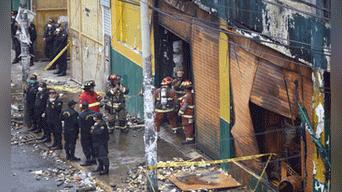 Los bomberos lamentaron días antes que no pudieran salvar a los trabajadores atrapados Foto: Michael Ramon