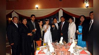2. Evidencia. Fotografía de matrimonio de Carpio evidencia que Velarde es muy cercano a gerente de Trabajo.