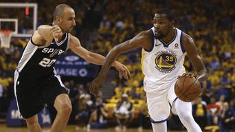 86e2e554d7d38 State Warriors ganó a los Spurs en el juego 2 de la serie de cuartos de  final de la Conferencia Oeste de los Playoffs de NBA.